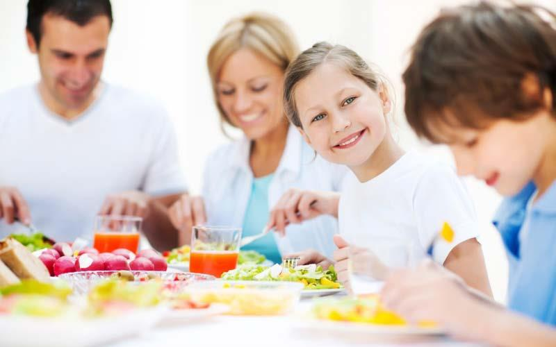 دانلود پاورپوینت با موضوع تغذيه در سنين بلوغ ونوجوانی