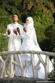 بررسی نقش عوامل اجتماعی- اقتصادی و فرهنگی مؤثر در ازدواج جوانان